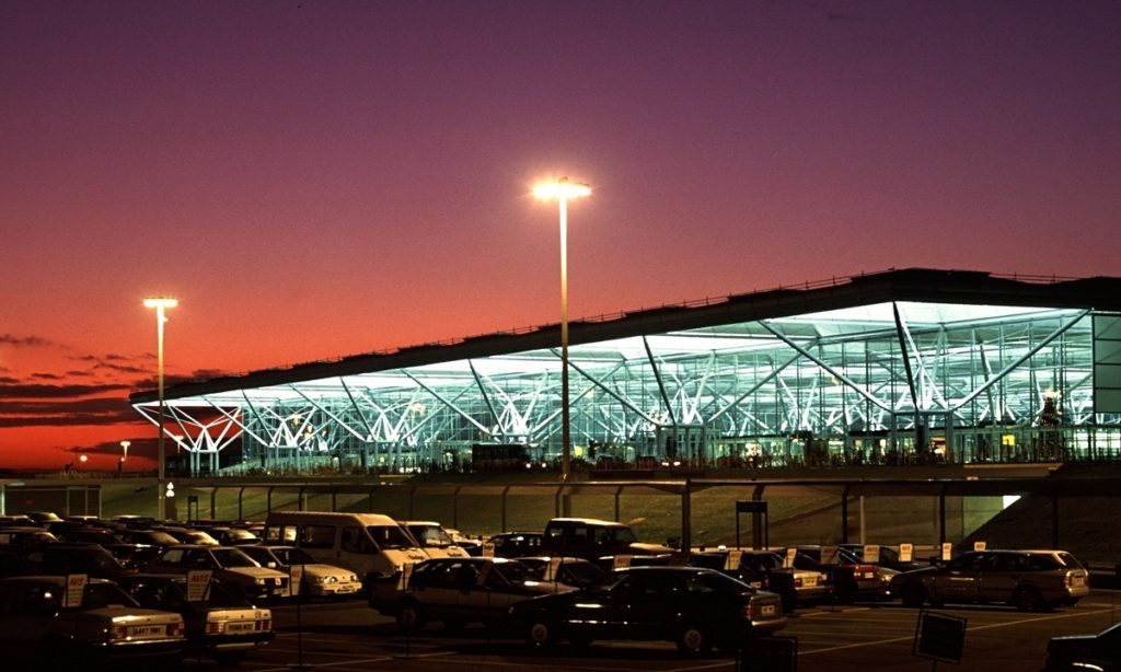 stansted women Ryanair has been criticised for apparently failing to remove a passenger from a flight after racial abuse of a woman in her 70s the incident, on a flight from barcelona to stansted on friday, was.